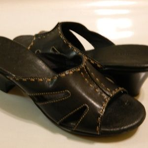 CLARKS Sandals Heels Slides Leather Black Sz 6.5M